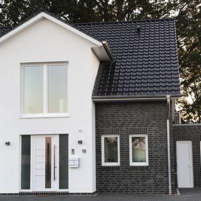 Giebelhaus mit Garage in Stuhr